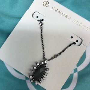 NWT Kendra necklace